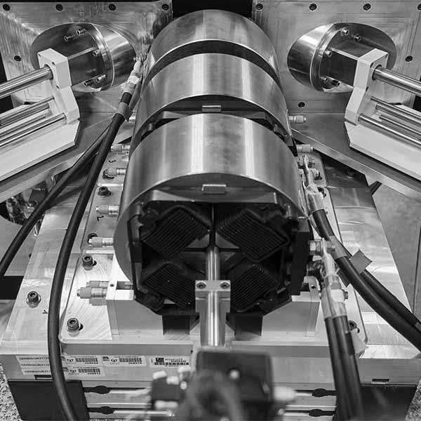AIFIRAAIFIRA | Triplet de quadrupoles - Microfaisceau©JeanJouve